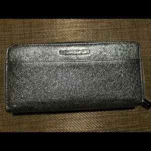 Michael Kors silver wallet!!